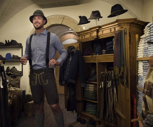 Chicago Cubs star Kris Bryant honeymoons in Austria disguised in lederhosen