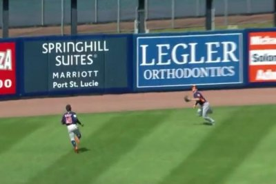Astros' Myles Straw robs Tim Tebow with diving catch, tweets apology