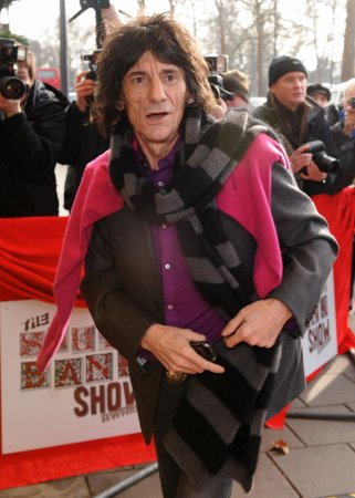 Ronnie Wood says gal pal not pregnant