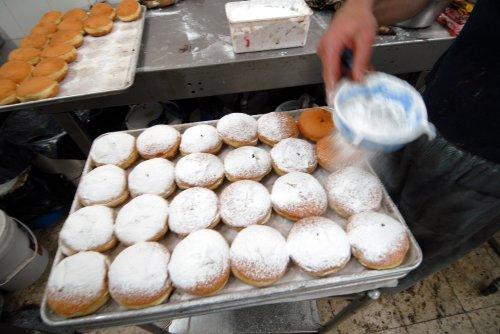 Crash spills doughnuts onto I-81 in N.Y.