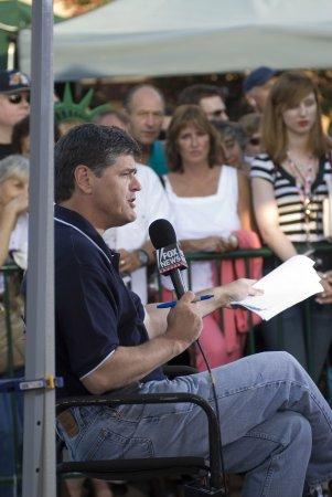 Russell Brand slams Sean Hannity for 'childish' Gaza segment