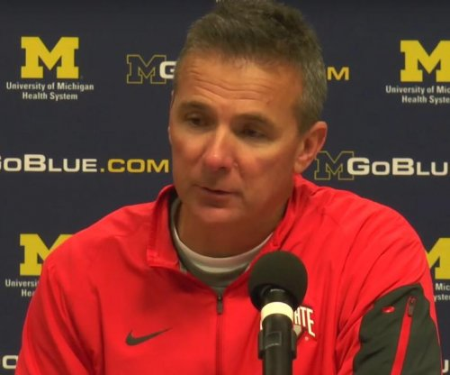 No. 8 Ohio State wrecks rival No. 10 Michigan