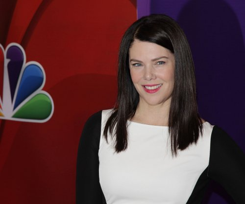 'Gilmore Girls' revival gets the green light from Netflix