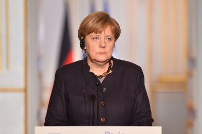 Merkel, EU officials in Turkey to discuss migrant deal