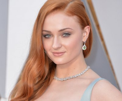 Sophie Turner teases photo from 'X-Men: Apocalypse;' sparks Taylor Swift casting buzz