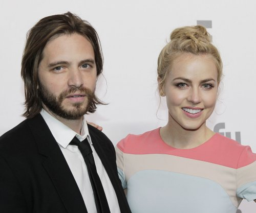 Syfy orders third season of '12 Monkeys'