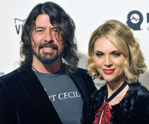 Dave Grohl invites daughter onstage in Iceland to play drums with Foo Fighters