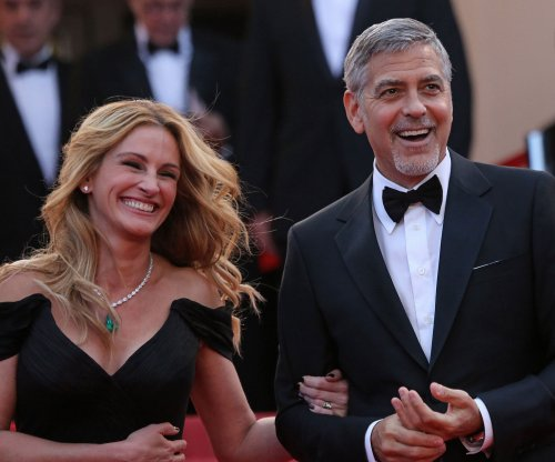 Julia Roberts to present George Clooney with AFI Award