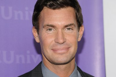 'Flipping Out' star Jeff Lewis says his contract expired