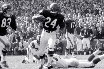 Former Chicago Bears star S Roosevelt Taylor dies at 82