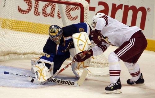 NHL: Phoenix 5, Boston 2