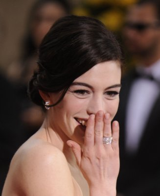 Hathaway to play Garland in 'Get Happy'