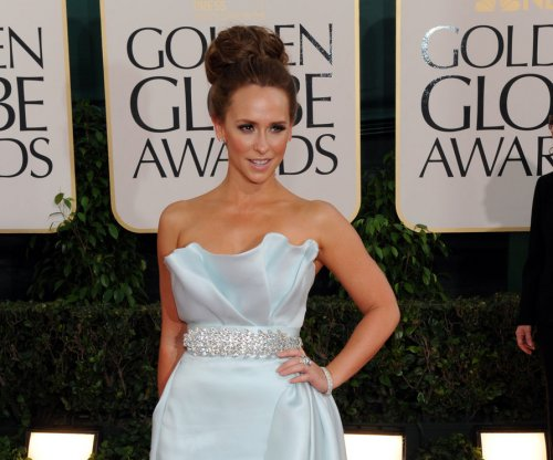 Jennifer Love Hewitt gives birth to son Atticus
