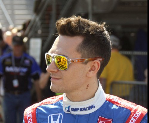 Mikhail Aleshin pours it on to win Rolex 24 Hours pole in rain