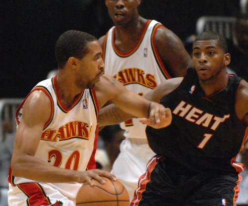 Miami Heat sign F Dorell Wright