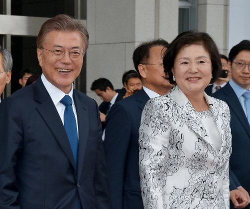 New South Korea President Moon Jae-in reaffirms U.S. alliance