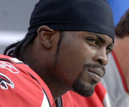 No talks yet between Michael Vick, Atlanta Falcons on sign-to-retire deal