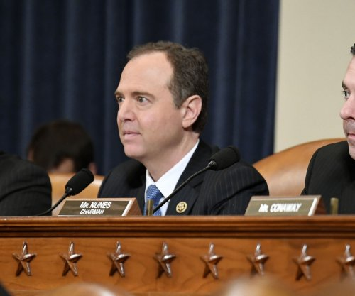 House Intelligence Committee votes to release Trump investigation memo