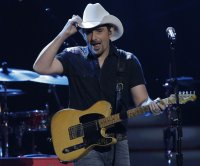 Brad Paisley announces 2021 tour with Jimmie Allen, Kameron Marlowe