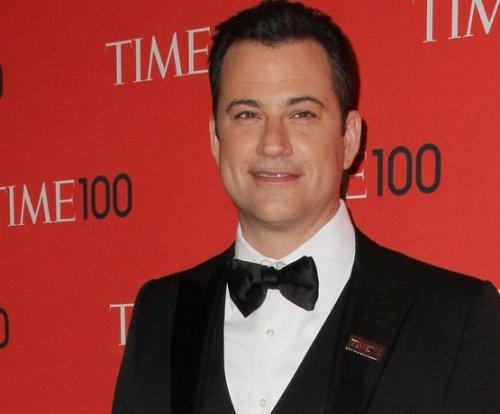 Jimmy Kimmel illustrates VMA drama with emoji-fied presentation