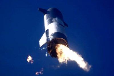 SpaceX flies, crashes Starship moon rocket again