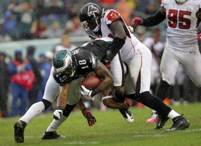 Eagles receiver Jeremy Maclin out for season with knee ligament tear