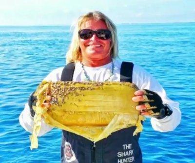 Charter fisherman catches kilo of cocaine off Miami coast