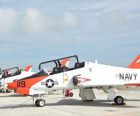 U. S. Navy extends grounding of T-45 trainer aircraft