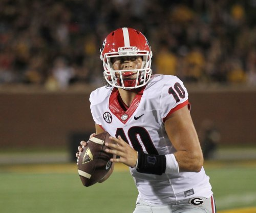 Georgia Bulldogs QB Jacob Eason out against Notre Dame Fighting Irish with knee injury