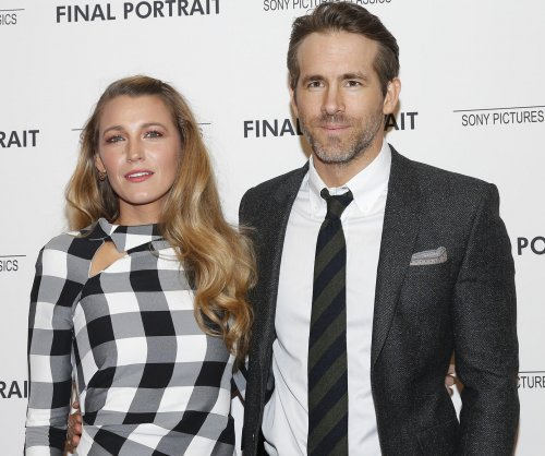 Ryan Reynolds jokes about marriage trouble buzz