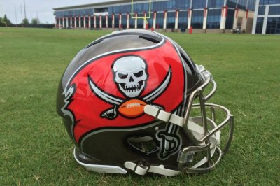 Buccaneers sign OL Marpet to five-year extension