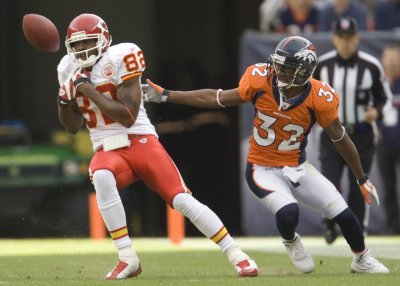 Chiefs WR Bowe suspended for doping