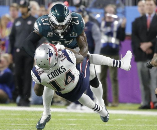 New England Patriots lose Brandin Cooks, Patrick Chung to concussions