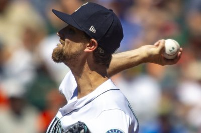 Mariners aim to take season series from tinkering Astros