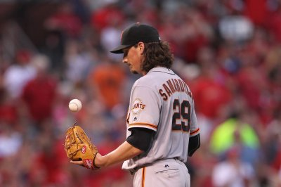 Jeff Samardzija, Brandon Crawford help San Francisco Giants edge Miami Marlins