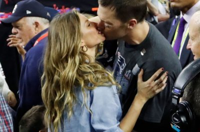 Athletes, Celebs react to New England Patriots' Super Bowl win