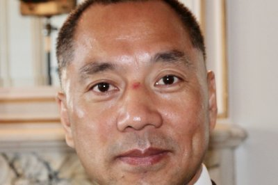 Fugitive Chinese billionaire says he talks to Steve Bannon