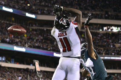 Falcons' Julio Jones working out with Terrell Owens