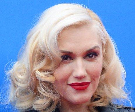 Gwen Stefani, Adam Levine to duet at 2015 Grammy Awards