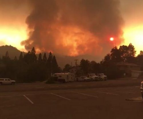 California wildfire explodes to 45,000 acres; thousands evacuated