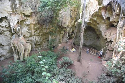 East African cave yields evidence of innovations beginning 67,000 years ago