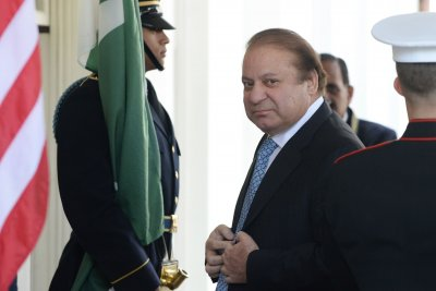 Ex-Pakistan PM Sharif gets 10 years for corruption