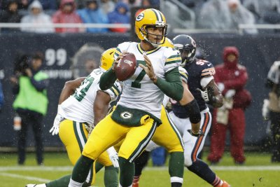 Seattle Seahawks acquire QB Brett Hundley from Green Bay Packers