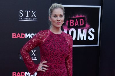 Netflix's 'Dead to Me' with Christina Applegate to debut on May 3