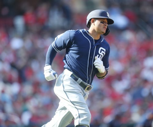 Padres' Manny Machado blasts homer in return to Camden Yards