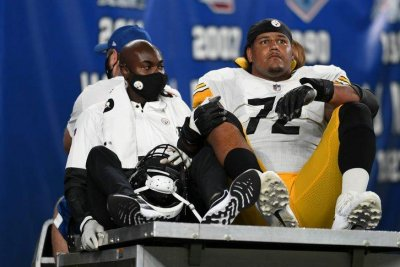 Pittsburgh Steelers RT Zach Banner to undergo season-ending knee surgical treatment thumbnail