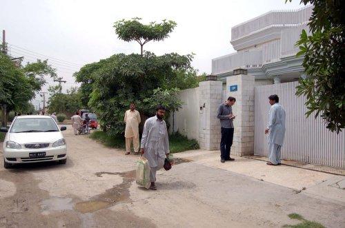 U.S. pressures Pakistan on militants