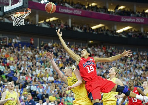 U.S. women escape to reach gold medal game