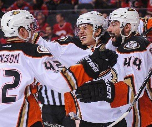 Anaheim Ducks rally to take 3-0 series lead over Calgary Flames
