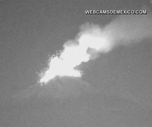 Mexico's Popocatépetl volcano spews lava fragments